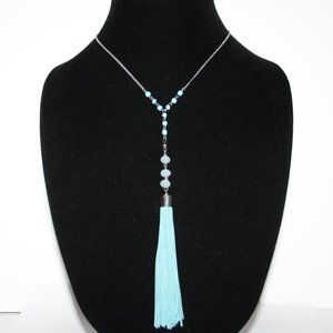 Beautiful silver and aqua tassel necklace w stones